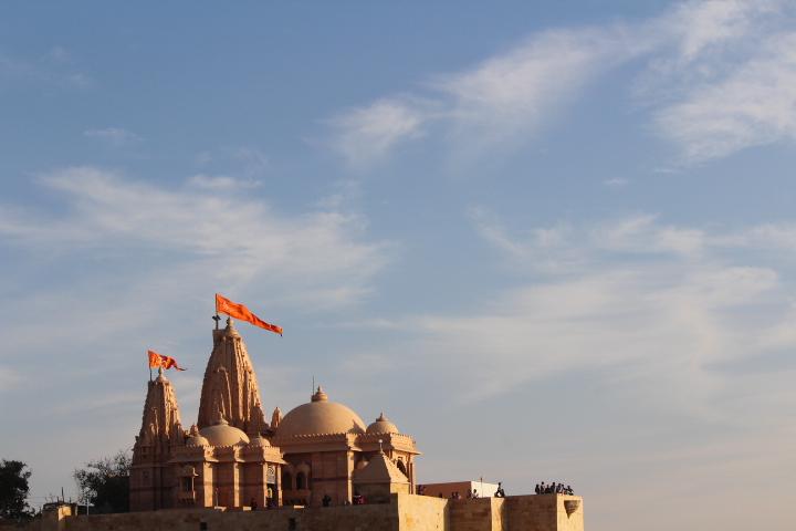 Exploring White Desert – Lakhpat, Koteshwar, Narayan Sarovar